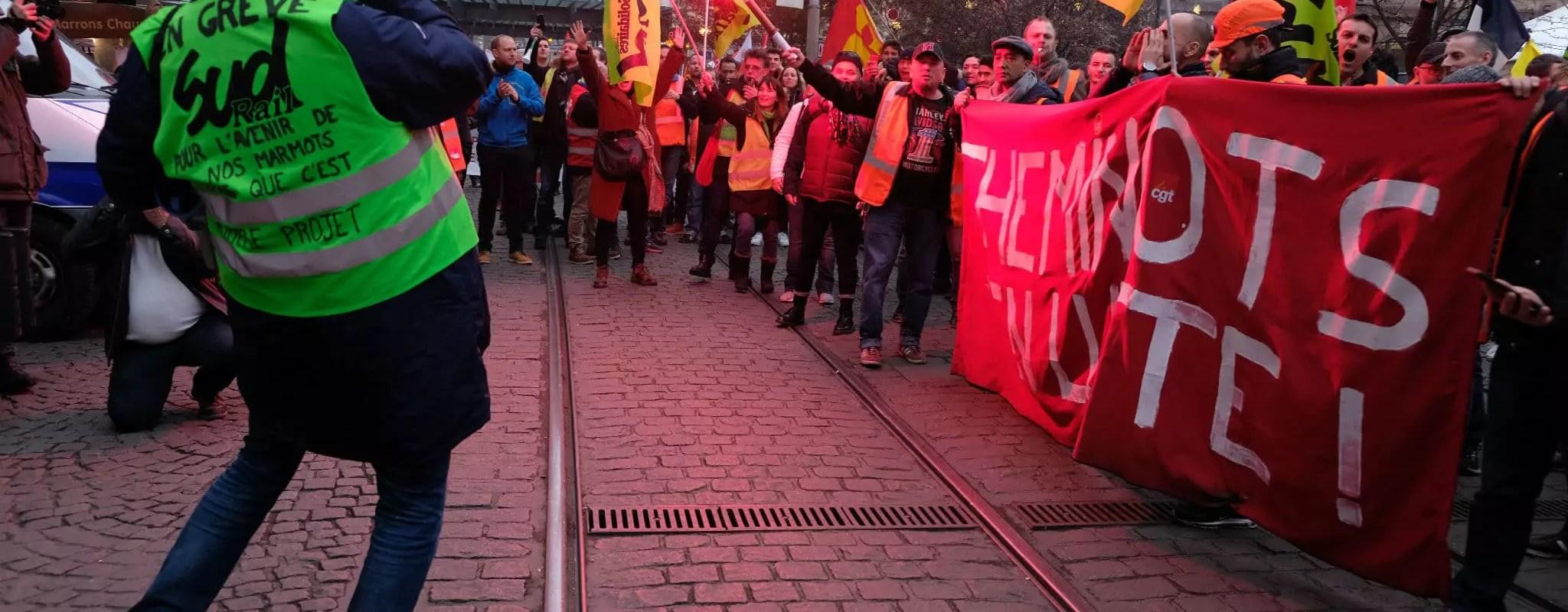 Des cheminots déterminés et plus de 4500 manifestants contre la réforme des retraites