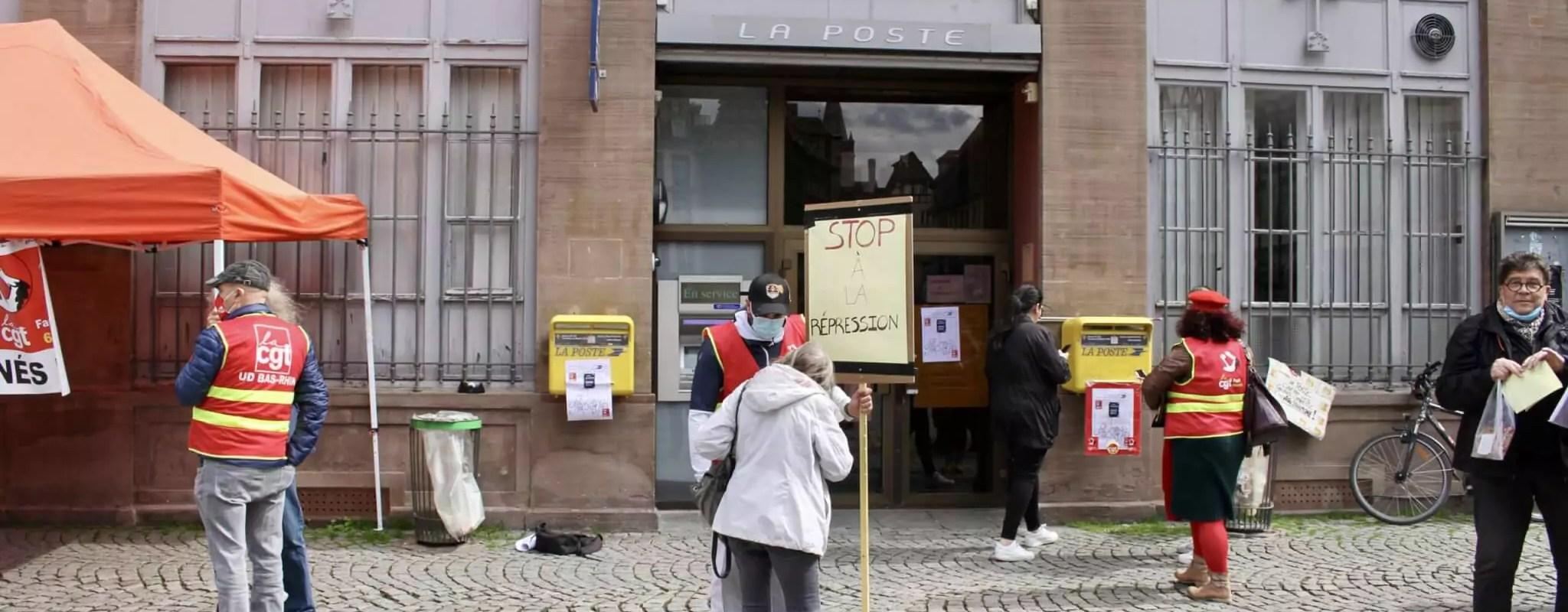 Un rassemblement contre une possible fermeture du bureau de Poste Strasbourg Cathédrale
