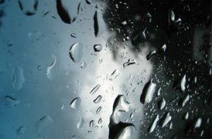 ruedas-baratas_conducir-bajo-la-lluvia-www.ruedamundo.es_M