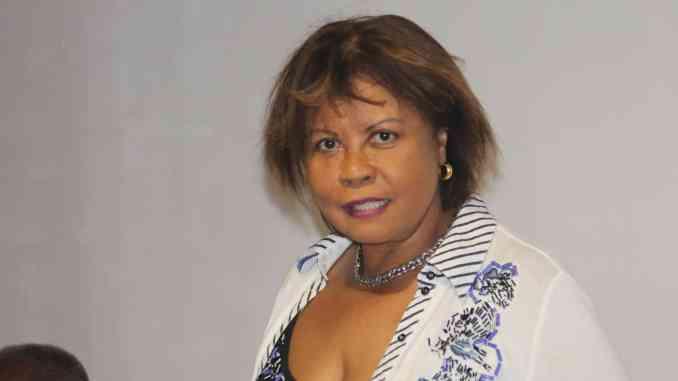 Politique Guadeloupe — Reinette Juliard demande au au Conseil d'Étatl'inéligibilité de Jocelyn Saptille.