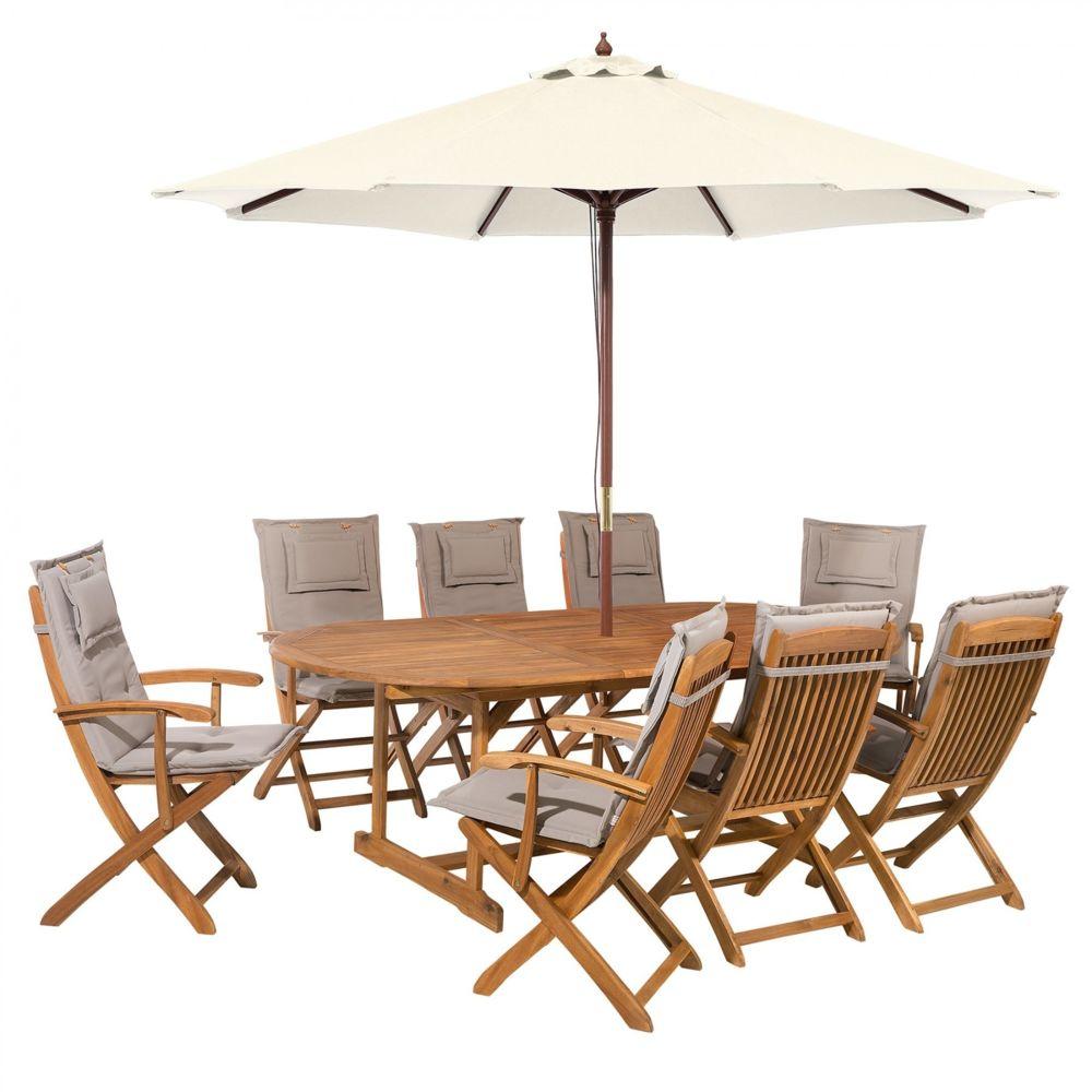 jardin avec parasol et coussin beige