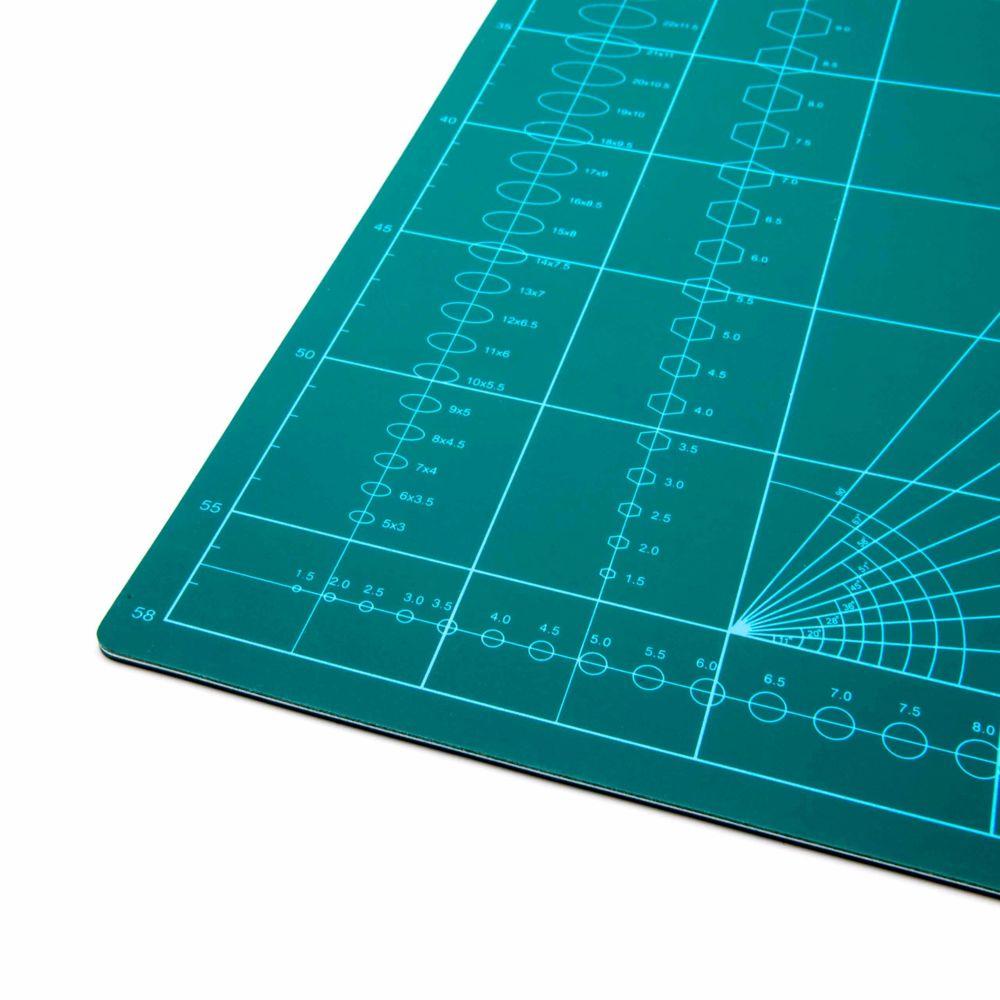 vhbw vhbw tapis de decoupe planche de decoupe a1 vert avec quadrillage pour coudre bricoler faire du patchwork
