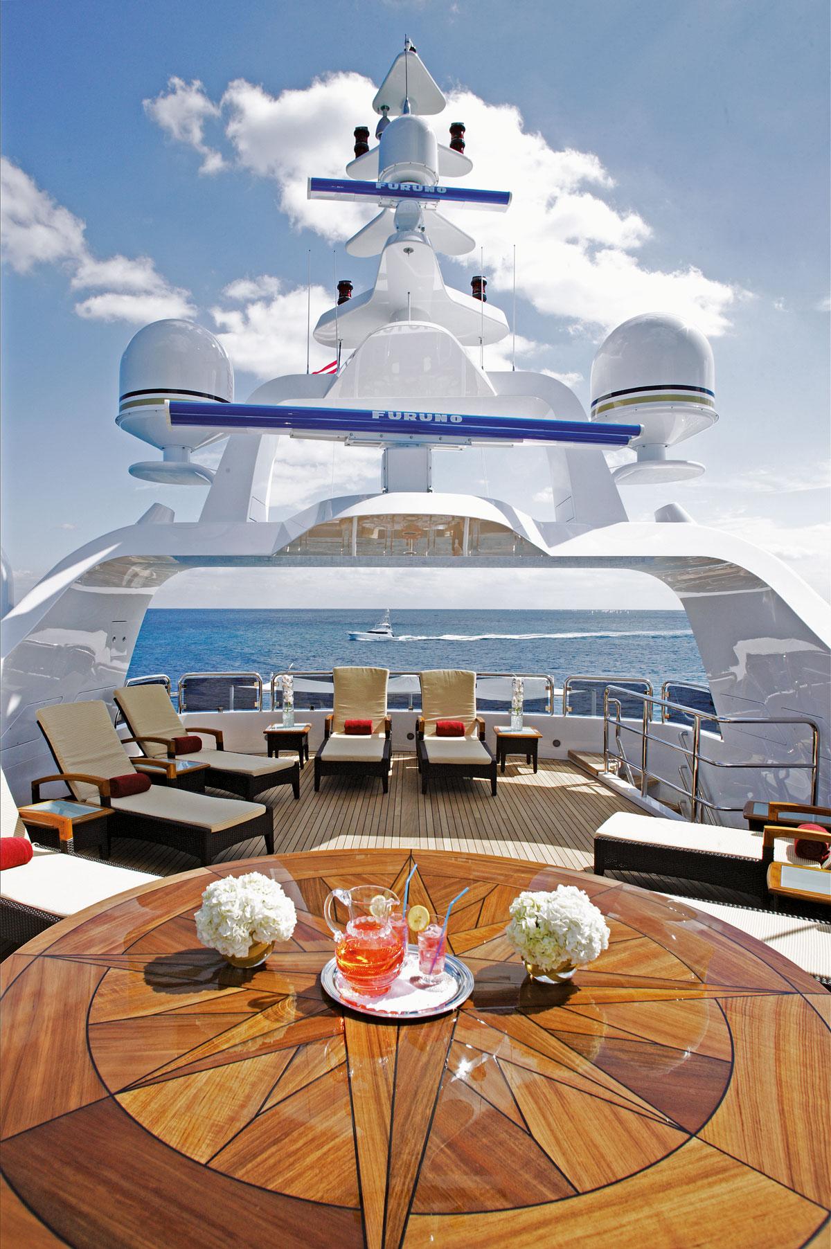 Benetti Yacht Diamonds Are Forever RUFLYF