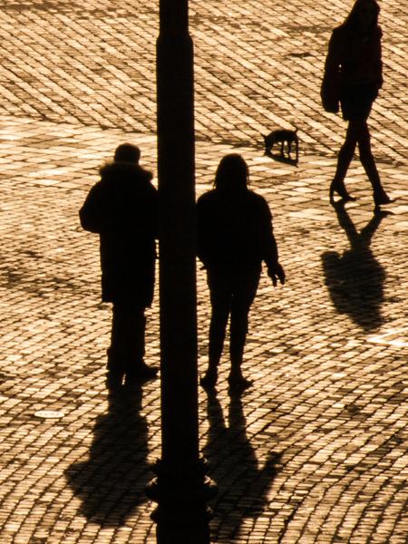 couples in Piazza del Popolo