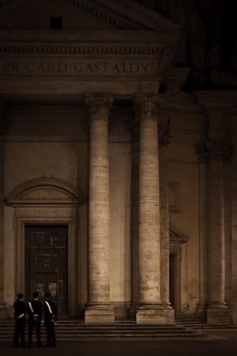 carabinieri and monuments
