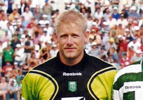 Foi há 20 anos a estreia de Peter Schmeichel no Sporting