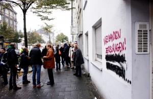 Mallinckrodtstraße in Dortmund, Graffiti: Nazibanden zerschlagen