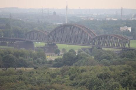 Die alte Eisenbahnbrücke.