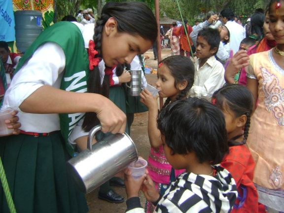 giving-out-water-1