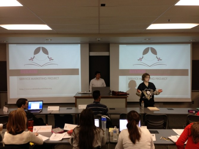 Presenting the Marketing challenge to the students