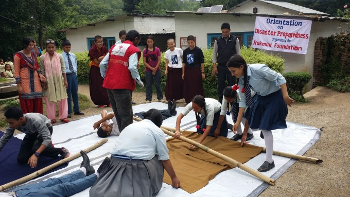 Class 10 students learn to make a strecher