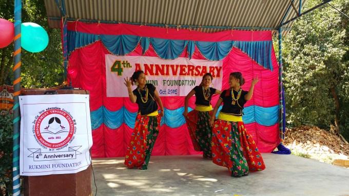 RF ex-scholar, Sushmita, pooja and Sandhya dancing