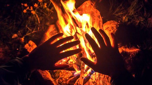 Şeytan ateşten yaratılmış olduğu halde Cehennemde nasıl azap görecektir?