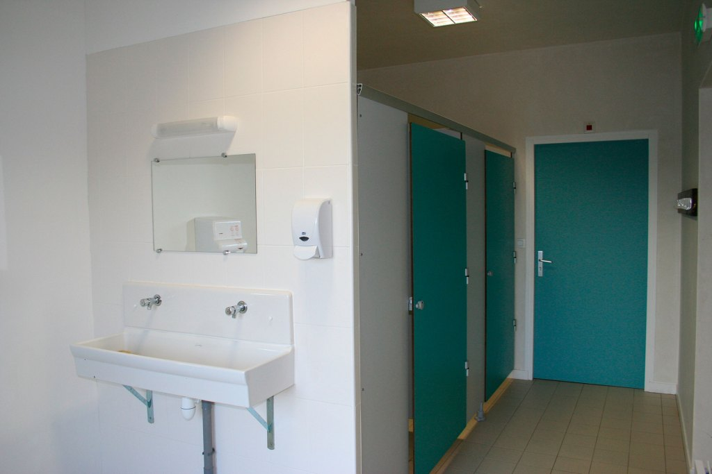 Sanitaires Equicentre Rulan Trégastel Bretagne