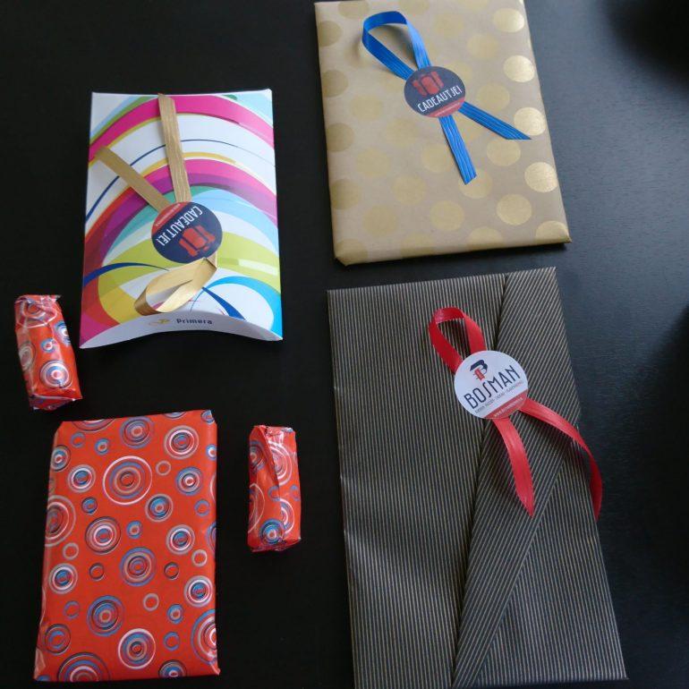 De ingepakte cadeautjes voor Priscilla.