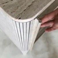 Lemari cabinet ini pintu sliding nya rapi Dan unik