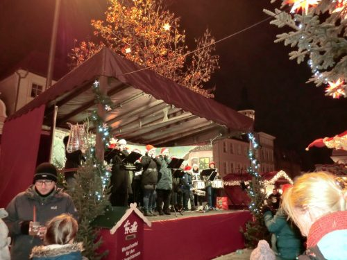 Actuaciones en el mercado de navidad alemán de Cottbus