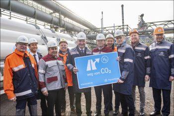 Nordrhein-Westfalen: Wirtschaftsminister Pinkwart startet bei thyssenkrupp Wasserstoff-Versuchsreihe