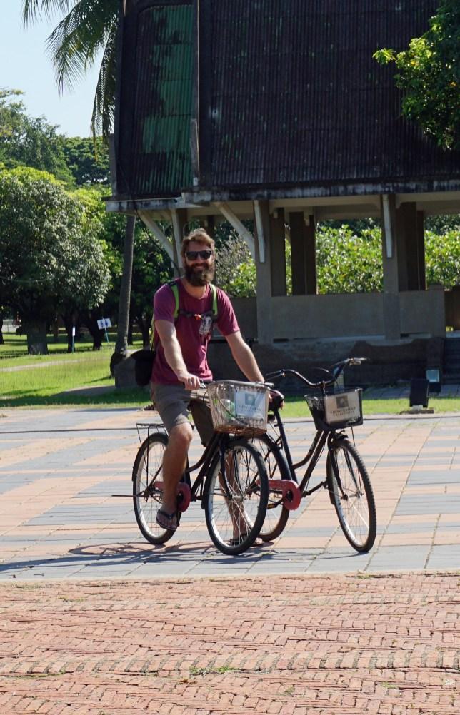 Unsere klapprigen Fahrräder ... thailändischer Standard