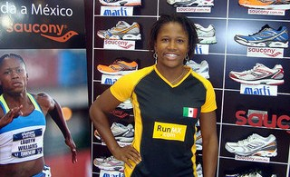 La medallista olímpica Lauryn Williams en México