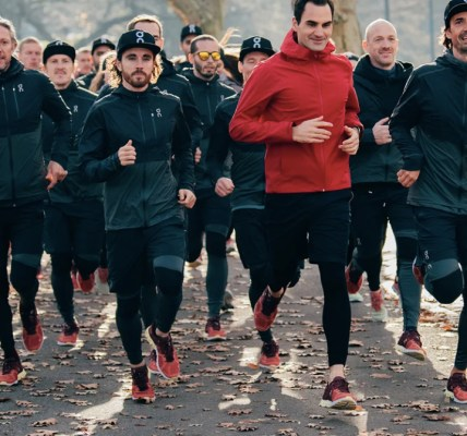 roger federer tenis on running