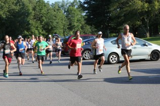 004 - Guess Your Time 2.5 Miler 2017 Photo by Jack Brennan - (IMGL0540)