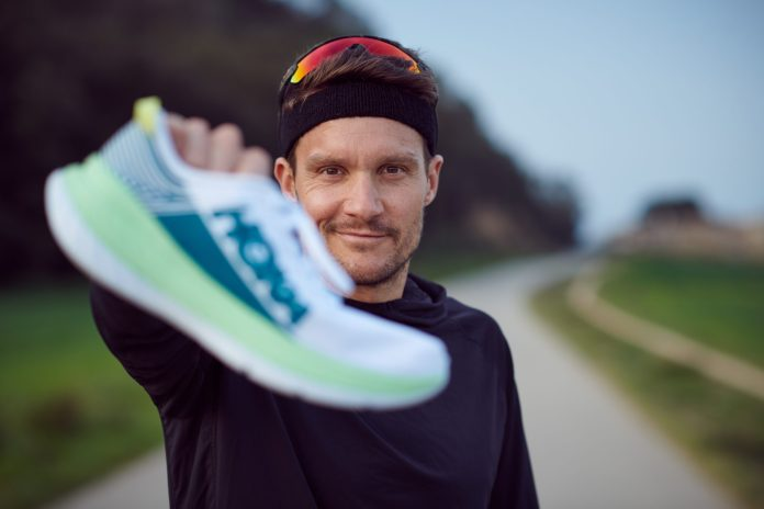 Jan Frodeno, champion olympique et triple champion du monde d'Ironman®, signe avec Hoka