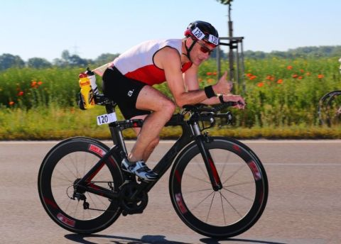 Andreas Seliger beim Triathlon