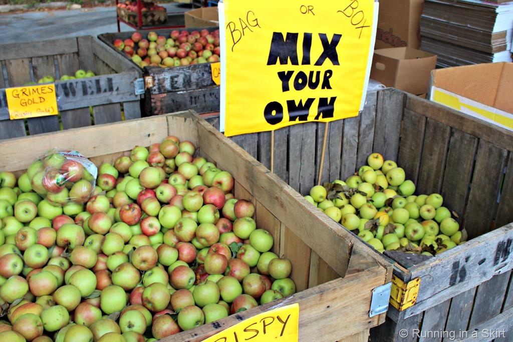 wnc_farmers_market_fall_apples.jpg