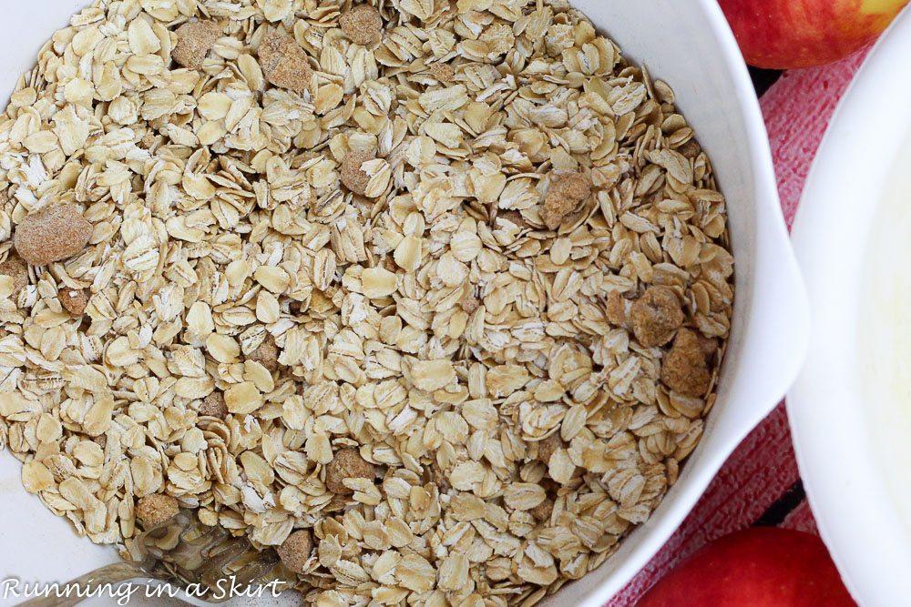 apple cinnamon baked oatmeal recipe / Running in a Skirt