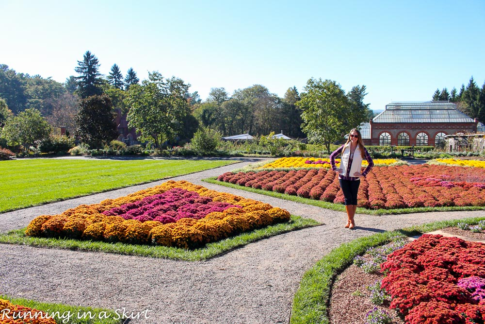 Perfect fall look---> jeans, riding boots, plaid shirt and puffer vest! Pictures at the Biltmore Estate! / Running in a Skirt