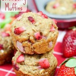 Healthy Whole Wheat Strawberry Muffins (has oatmeal and bannanas) - only a touch of coconut sugar and coconut oil / Running in a Skirt