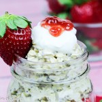 Strawberry Shortcake Overnight Oats-Easy, healthy breakfast / Running in a Skirt
