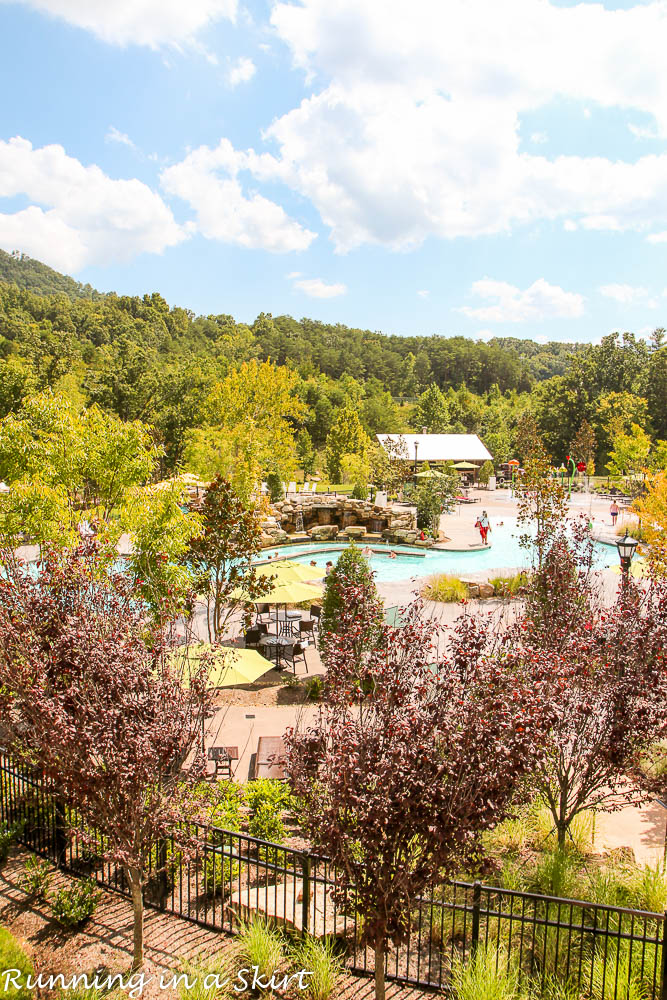 7 Things to do at Dollywood & new DreamMore Resort / Running in a Skirt