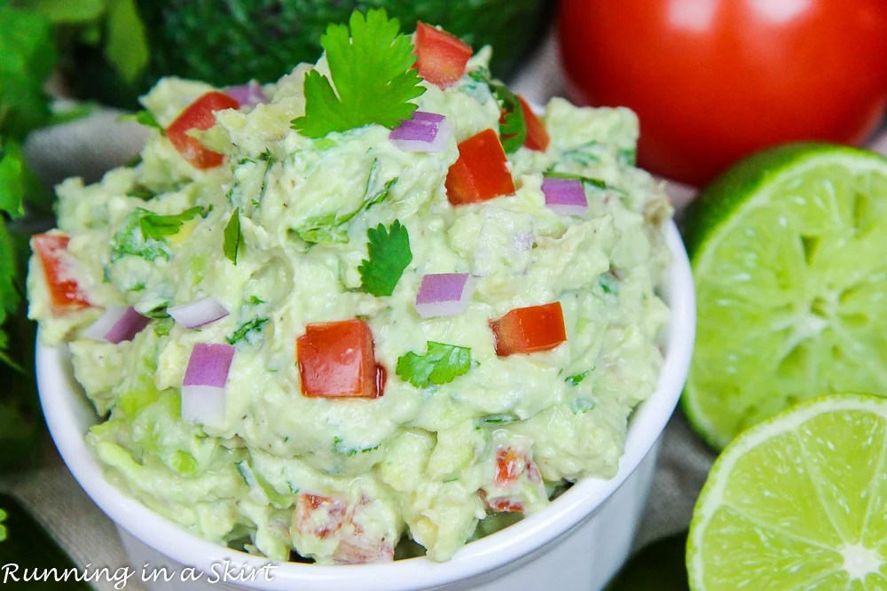 Healthy & Creamy Greek Yogurt Guacamole recipe / Running in a Skirt