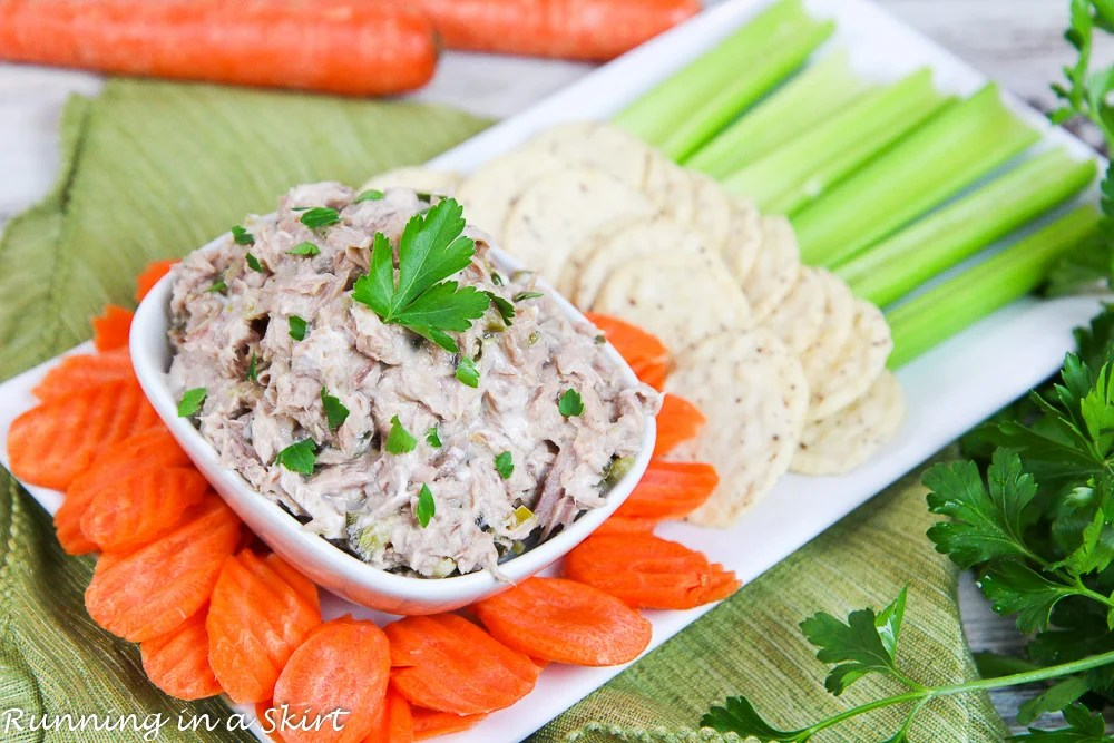 Healthy 3 ingredient Greek Yogurt Tuna Salad recipe / Running in a Skirt