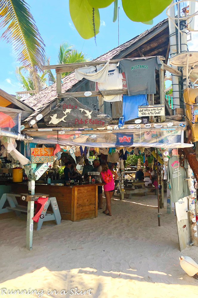 What to do in Hope Town Bahamas - travel to Pete's Pub.