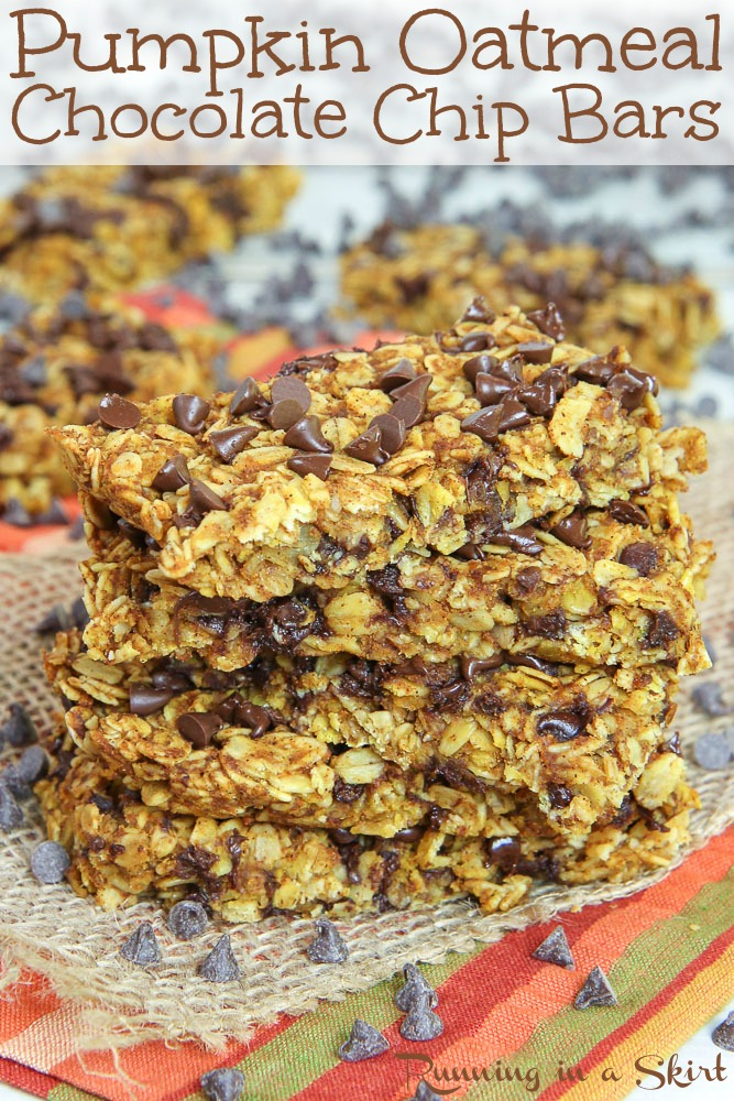 Healthy Chocolate Chip Pumpkin Oatmeal Bars recipe - this easy recipe is sweetened with honey but can also be made vegan!  Great for a snack, dessert or breakfast. / Running in a Skirt #healthy #pumpkin #recipe #chocolate #baking via @juliewunder