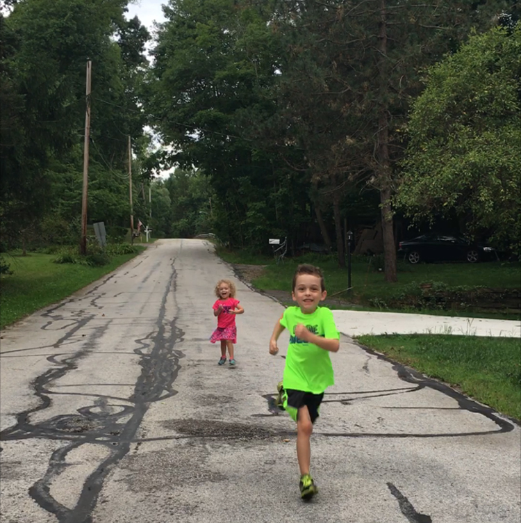 New Ambassadorship, Awesome Chiropractor, and a 5K | Thinking Out Loud | Running on Happy