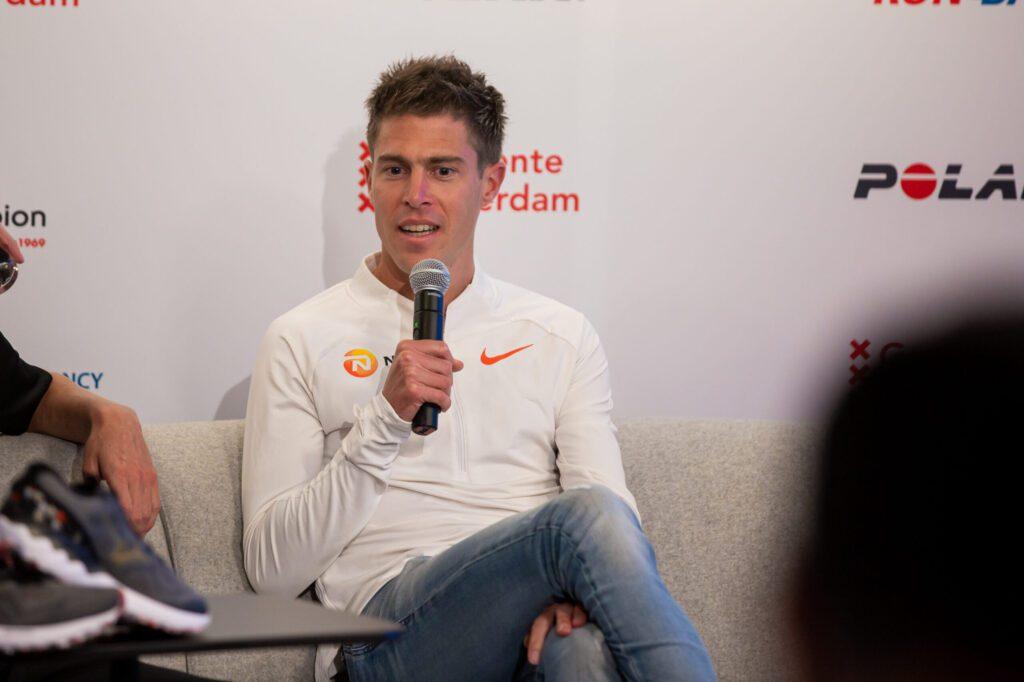 Michel Butter tijdens persconferentie Amsterdam Marathon