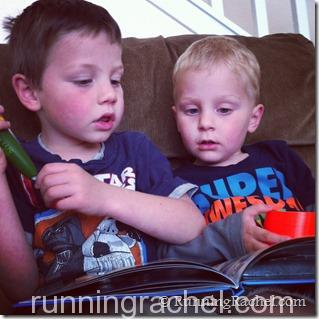 boys reading with leapfrog