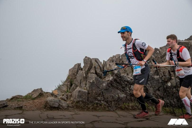 Reaching the summit © Miro Cerqueira