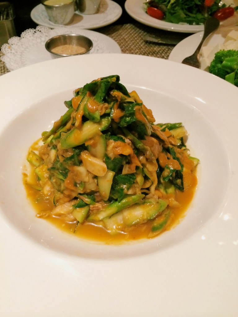 LIVE ZUCCHINI PASTA  Wild mushrooms, spinach, asparagus, peas, basil-tomato sauce, cashew cheese
