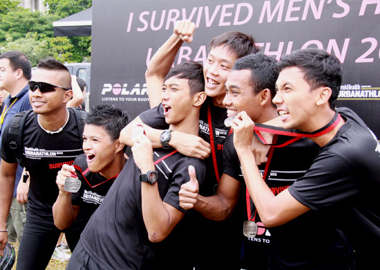 Buddies flaunting their finisher medals
