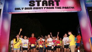 Brooks' Run Happy 2013 Sets Marina Barrage Aglow with Fun and Music