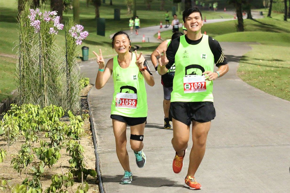 No Golf Balls Required at Singapore's Debut Night Course Run