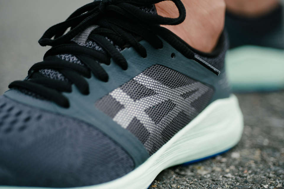ASICS RoadHawk FF Mixes Speed with Style