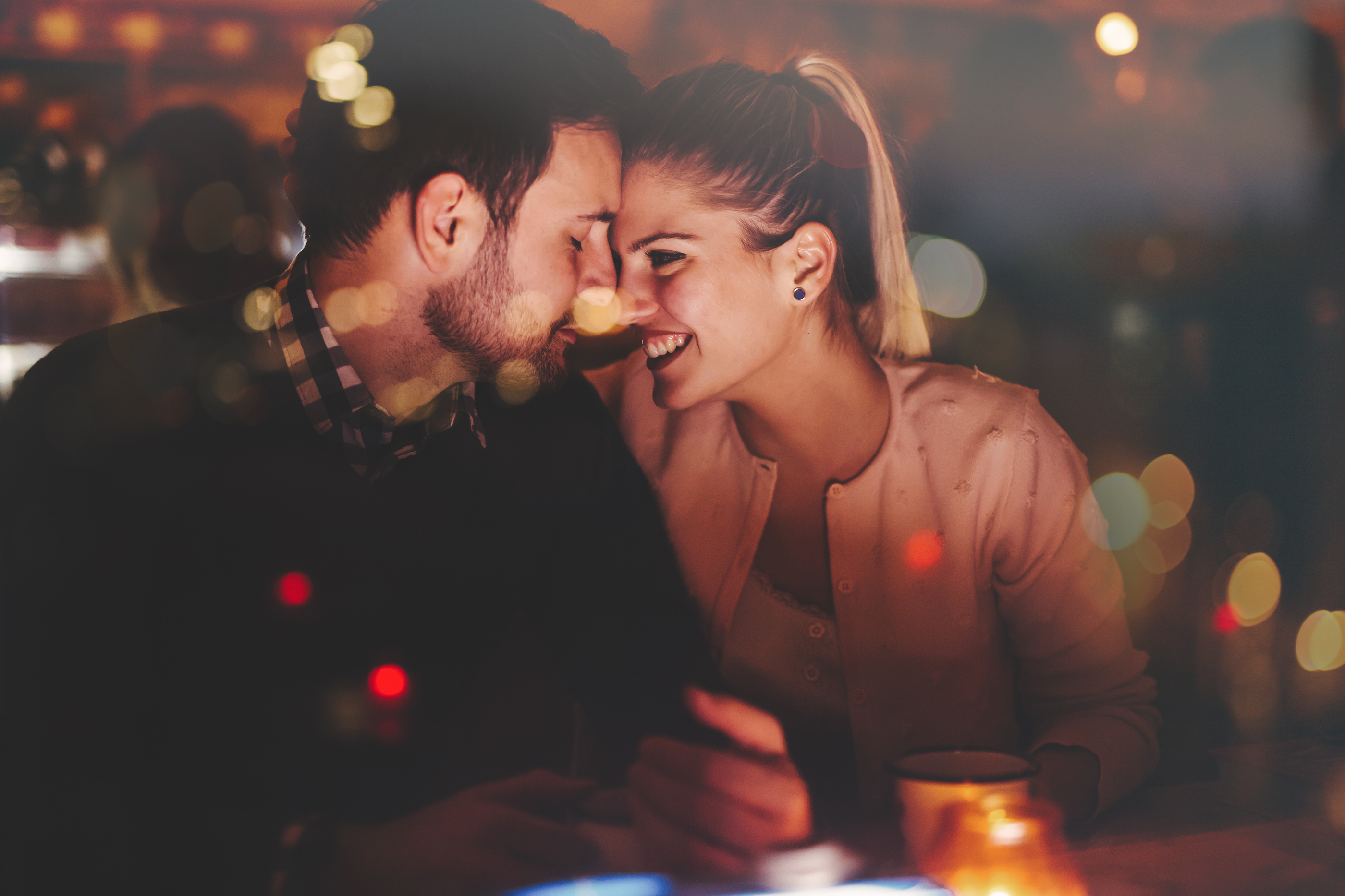 awesome ways you can save money on date night
