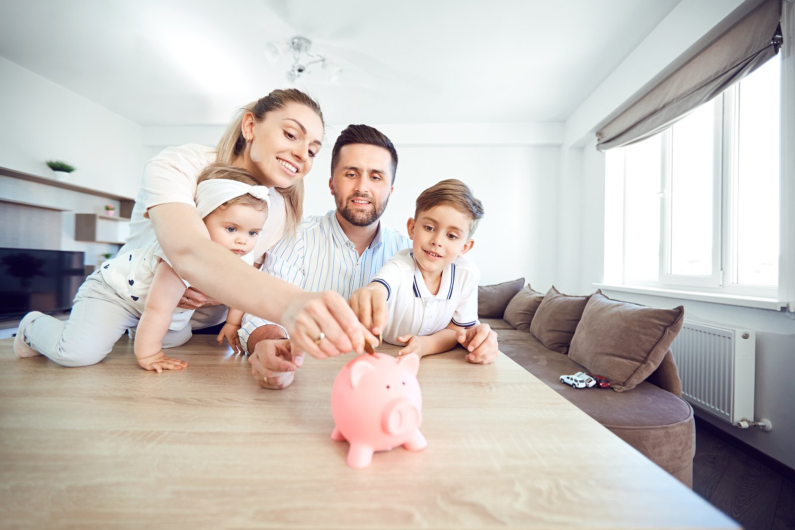 Family Budget: How To Manage Your Household Expenses