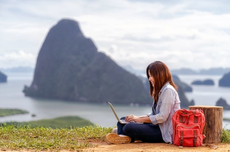 Tips on How To Work Remotely and Travel